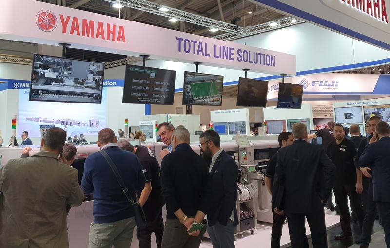 YAMAHA przedstawiła inteligentne rozwiązania w montażu powierzchniowym – Productronica 2019