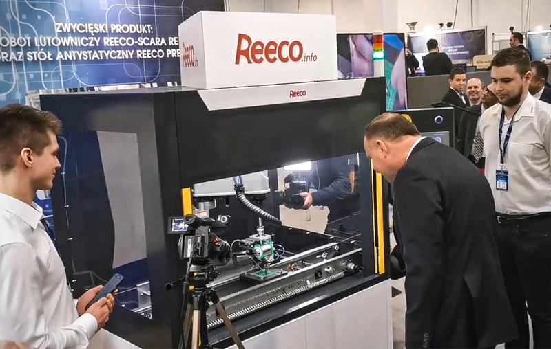 REECO Soldering Robot wins against the Polish Soldering Champion at the Polish Economic Exhibition