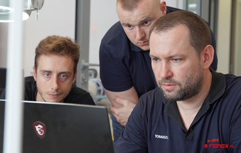 Spółka YOSENSI z Białegostoku inwestuje w nowe urządzenie pick&place we współpracy z RENEX